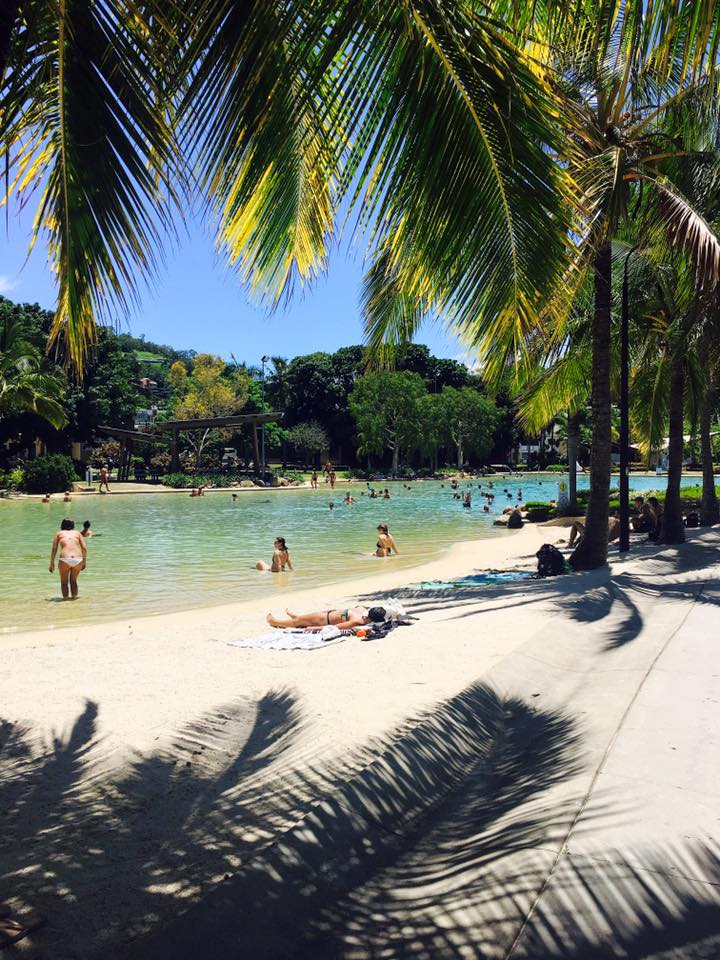 AIRLIE BEACH, GATEWAY TO THE WHITSUNDAYS