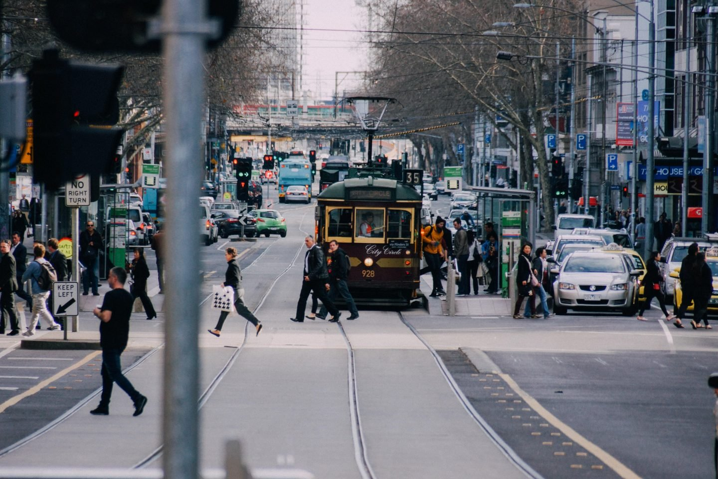 How to get around in Melbourne