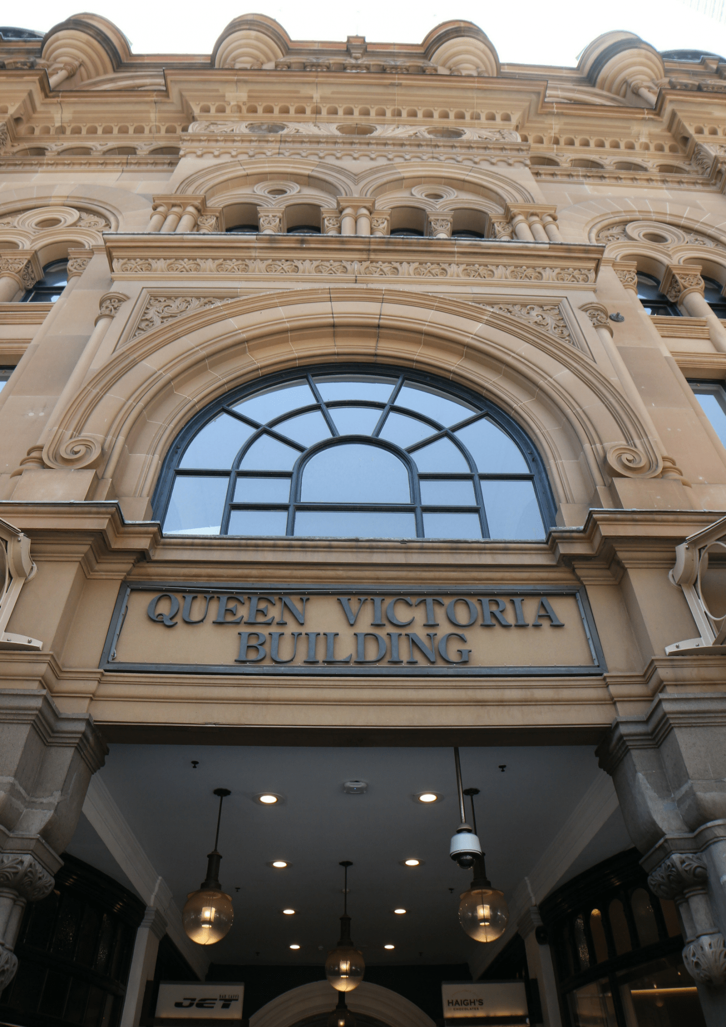 SYDNEY'S ICONIC BUILDINGS | QUEEN VICTORIA BUILDING