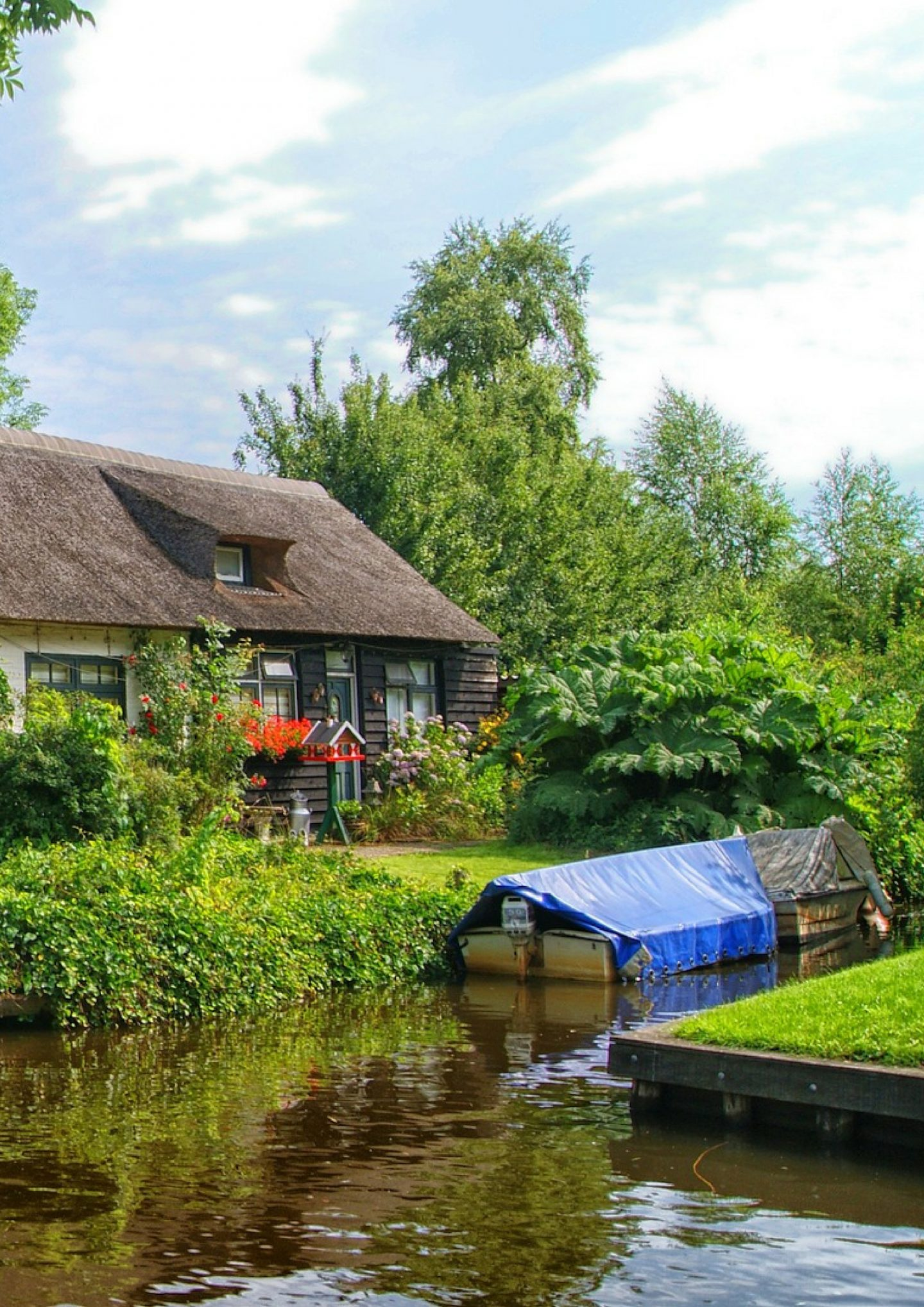 THE MAGICAL TOWN OF GIETHOORN