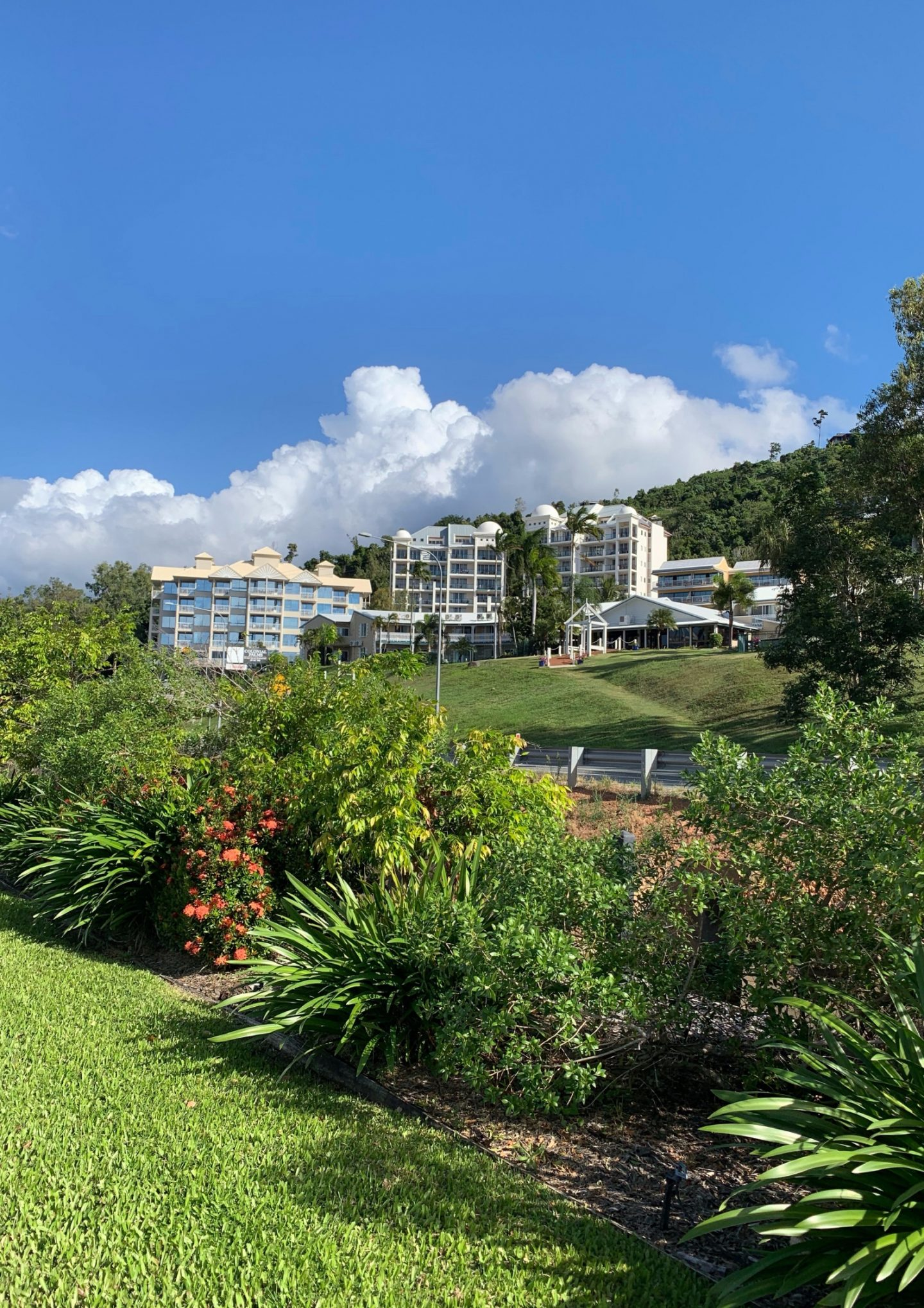 LODGING REVIEW | BLUE HORIZON, AIRLIE BEACH