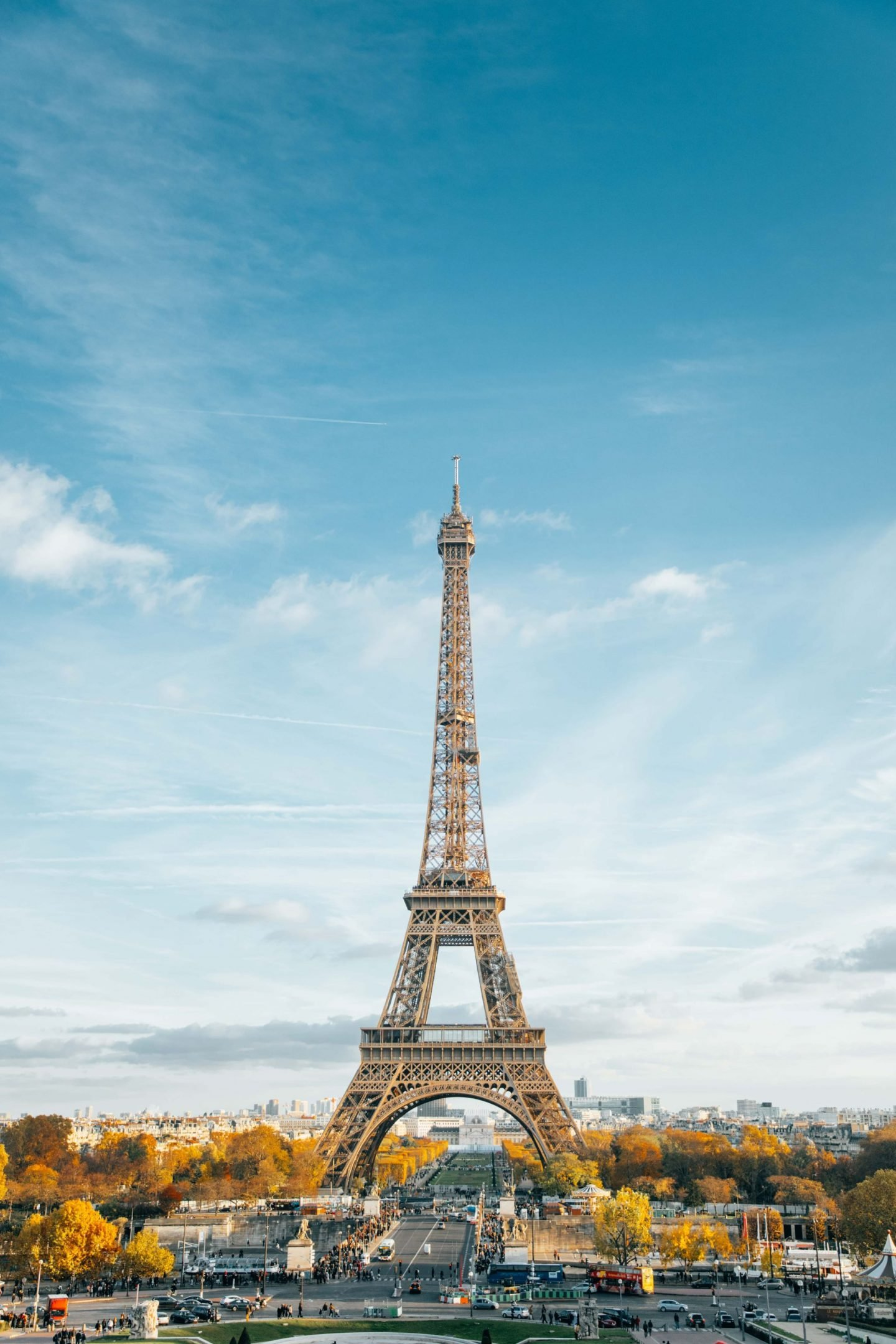 Paris 1 day itinerary. The Eiffel Tower is a must-see